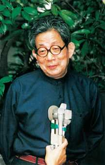 Div kenzaburo oe is internationally recognized as one of the worlds finest writers